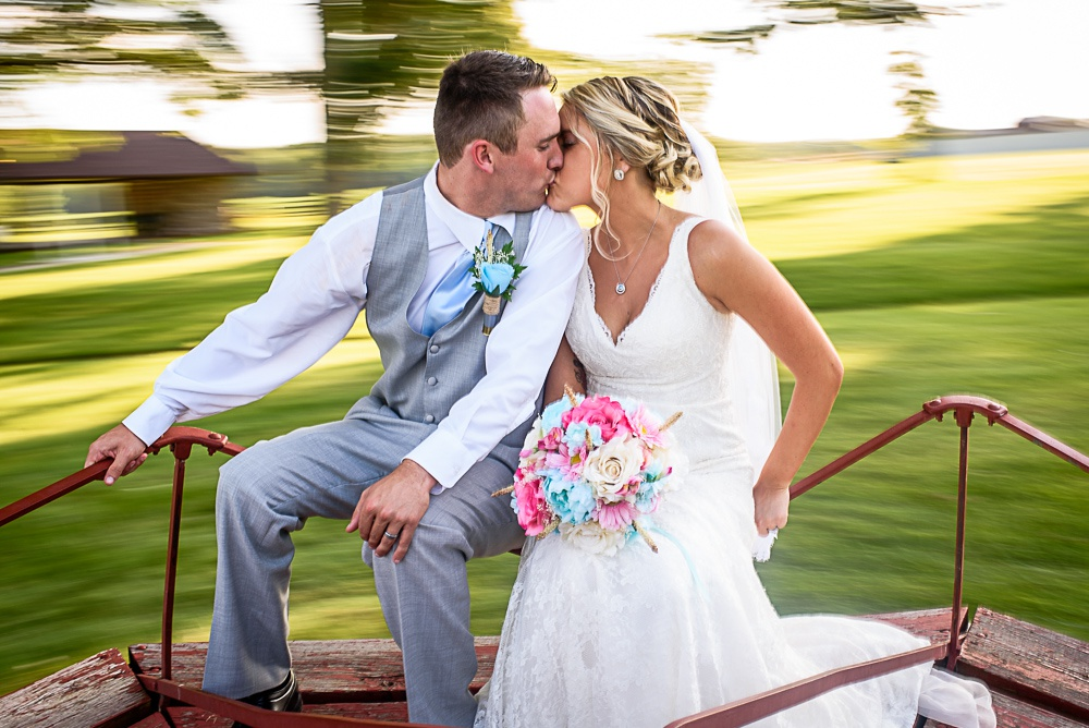 Haley & Brady at Arends Acres | Columbia MO Wedding Photographer ...